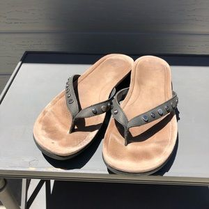 UGG flip flops black with metal